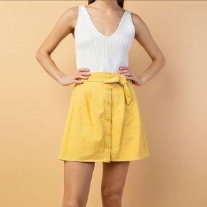 **HP🎉** NWT Paper Bag Waist Skirt